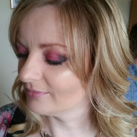 How to pull of bold eye make up